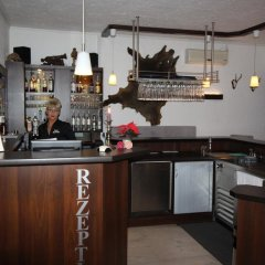 Отель Restaurant Jägerhof Германия, Брауншвейг - отзывы, цены и фото номеров - забронировать отель Restaurant Jägerhof онлайн гостиничный бар