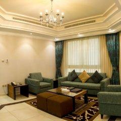 Отель Al Majaz Premiere Hotel Apartment ОАЭ, Шарджа - 1 отзыв об отеле, цены и фото номеров - забронировать отель Al Majaz Premiere Hotel Apartment онлайн интерьер отеля фото 2