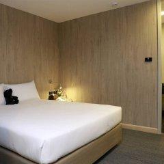 Отель Sleep Box By Miracle Бангкок комната для гостей