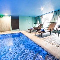 Отель Berjaya Makati Hotel Филиппины, Макати - отзывы, цены и фото номеров - забронировать отель Berjaya Makati Hotel онлайн бассейн