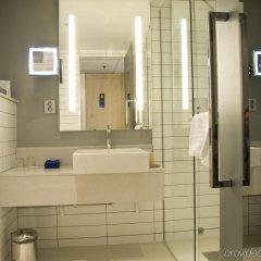 Отель Radisson Blu Royal Viking Hotel, Stockholm Швеция, Стокгольм - 7 отзывов об отеле, цены и фото номеров - забронировать отель Radisson Blu Royal Viking Hotel, Stockholm онлайн ванная фото 2