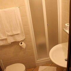 Отель Sara Италия, Милан - отзывы, цены и фото номеров - забронировать отель Sara онлайн ванная фото 2