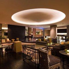 Отель Hilton Hua Hin Resort & Spa гостиничный бар