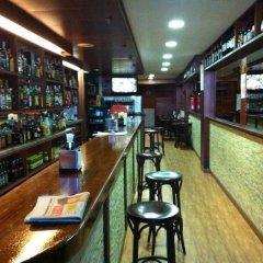 Отель Hostal Adelia гостиничный бар