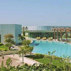Отель Hilton Capital Grand Abu Dhabi ОАЭ, Абу-Даби - отзывы, цены и фото номеров - забронировать отель Hilton Capital Grand Abu Dhabi онлайн бассейн фото 2