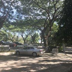 Апартаменты Baan Somprasong Apartment - Na Jomtien На Чом Тхиан парковка