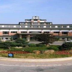 Отель Tongli Lakeview Hotel Китай, Сучжоу - отзывы, цены и фото номеров - забронировать отель Tongli Lakeview Hotel онлайн вид на фасад