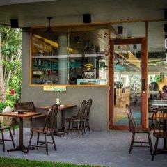 Отель Thavorn Palm Beach Resort Phuket Таиланд, Пхукет - 10 отзывов об отеле, цены и фото номеров - забронировать отель Thavorn Palm Beach Resort Phuket онлайн гостиничный бар