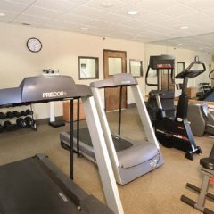 Отель Meadowlands River Inn фитнесс-зал фото 3