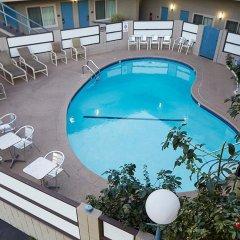 Отель Good Nite Inn West Los Angeles-Century City США, Лос-Анджелес - 1 отзыв об отеле, цены и фото номеров - забронировать отель Good Nite Inn West Los Angeles-Century City онлайн бассейн фото 2