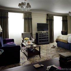Отель The Langham, London комната для гостей
