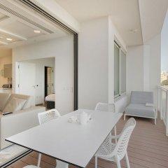 Отель Luxury Apt Ocean Views in Tigne Point, With Pool Мальта, Слима - отзывы, цены и фото номеров - забронировать отель Luxury Apt Ocean Views in Tigne Point, With Pool онлайн комната для гостей фото 5