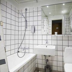 Отель First Hotel Atlantic Дания, Орхус - отзывы, цены и фото номеров - забронировать отель First Hotel Atlantic онлайн ванная