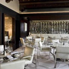 Отель The St. Regis Washington, D.C. гостиничный бар