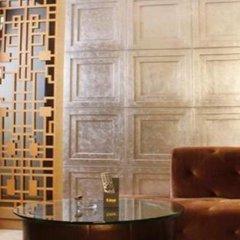 The Luxe Manor Hotel гостиничный бар