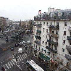 Отель Hôtel des Buttes Chaumont балкон