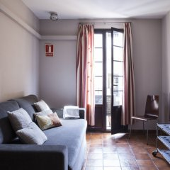 Отель AinB Las Ramblas-Guardia Apartments Испания, Барселона - 1 отзыв об отеле, цены и фото номеров - забронировать отель AinB Las Ramblas-Guardia Apartments онлайн комната для гостей фото 14