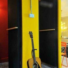 Отель Pyat Music and Artel Таиланд, Бангкок - отзывы, цены и фото номеров - забронировать отель Pyat Music and Artel онлайн бассейн фото 2