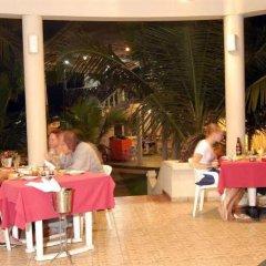 Отель Oasey Beach Resort Шри-Ланка, Бентота - отзывы, цены и фото номеров - забронировать отель Oasey Beach Resort онлайн питание фото 2