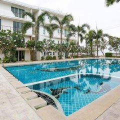 Отель KM Condo Seaside бассейн