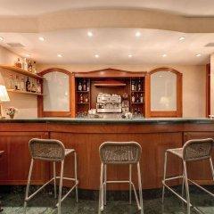 Отель Romoli Hotel Италия, Рим - 6 отзывов об отеле, цены и фото номеров - забронировать отель Romoli Hotel онлайн гостиничный бар