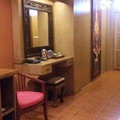 Отель Royal Phawadee Village удобства в номере фото 3