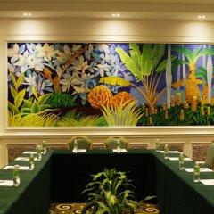 Отель Palm Beach Resort&Spa Sanya развлечения