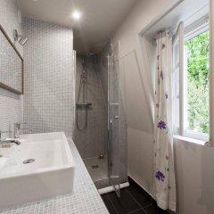 Отель onefinestay - Montparnasse Apartments Франция, Париж - отзывы, цены и фото номеров - забронировать отель onefinestay - Montparnasse Apartments онлайн ванная фото 2