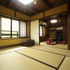 Отель Kurokawa Onsen Ryokan Wakaba Минамиогуни бассейн фото 2