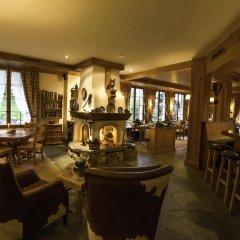 Отель Le Grand Chalet гостиничный бар