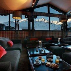 Отель Alpes Hôtel du Pralong гостиничный бар