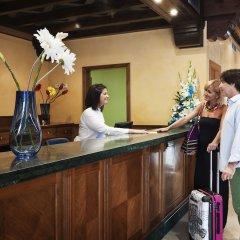 Отель Fénix Torremolinos - Adults Only Испания, Торремолинос - отзывы, цены и фото номеров - забронировать отель Fénix Torremolinos - Adults Only онлайн интерьер отеля фото 3