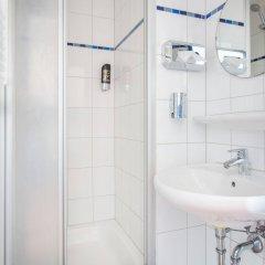 Отель a&o Dresden Hauptbahnhof ванная фото 2