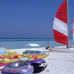 Отель HolidayMakers Inn Мальдивы, Северный атолл Мале - отзывы, цены и фото номеров - забронировать отель HolidayMakers Inn онлайн приотельная территория фото 2