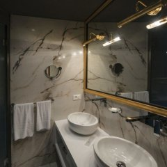 Отель Maison Torre Argentina Рим ванная