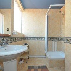 Отель Balic Черногория, Свети-Стефан - отзывы, цены и фото номеров - забронировать отель Balic онлайн ванная фото 2