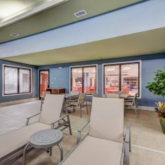 Holiday Inn Express Hotel & Suites Greenville Airport балкон