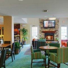 Отель Residence Inn Frederick гостиничный бар
