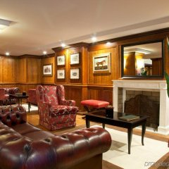 Hotel De La Ville гостиничный бар