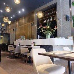 Отель V Residence Bangkok Бангкок гостиничный бар