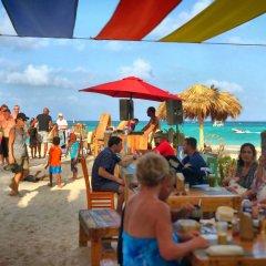 Отель Ducassi Suites Rooftop Pool Beach Club & Spa пляж