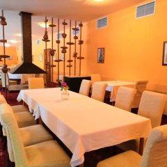 Отель Borovets Edelweiss Болгария, Боровец - отзывы, цены и фото номеров - забронировать отель Borovets Edelweiss онлайн питание фото 2