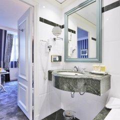 Отель Golden Tulip Washington Opera Франция, Париж - 11 отзывов об отеле, цены и фото номеров - забронировать отель Golden Tulip Washington Opera онлайн ванная