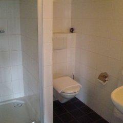 Hotel de Tabaksplant ванная фото 2