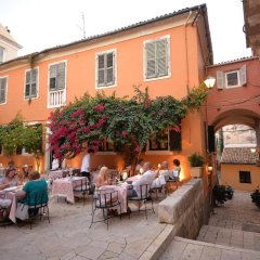 Отель Charming Venetian Town House in the Old Town of Corfu