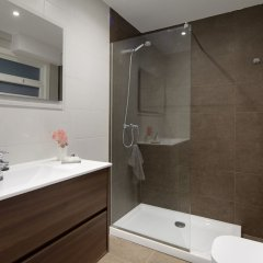 Отель Palacio Miramar Apartment by FeelFree Rentals Испания, Сан-Себастьян - отзывы, цены и фото номеров - забронировать отель Palacio Miramar Apartment by FeelFree Rentals онлайн ванная