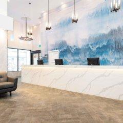Отель Sandman Hotel Calgary City Centre Канада, Калгари - отзывы, цены и фото номеров - забронировать отель Sandman Hotel Calgary City Centre онлайн гостиничный бар