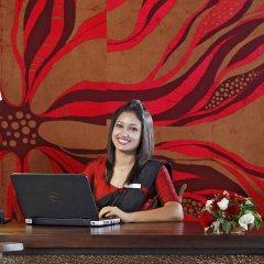 Отель Centara Ceysands Resort & Spa Sri Lanka Шри-Ланка, Бентота - 1 отзыв об отеле, цены и фото номеров - забронировать отель Centara Ceysands Resort & Spa Sri Lanka онлайн интерьер отеля фото 3