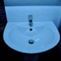 Отель Milano Tourist Rest Анурадхапура ванная фото 2