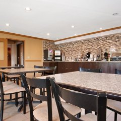 Отель Best Western Maple Ridge Hotel Канада, Мэйпл-Ридж - отзывы, цены и фото номеров - забронировать отель Best Western Maple Ridge Hotel онлайн питание фото 2